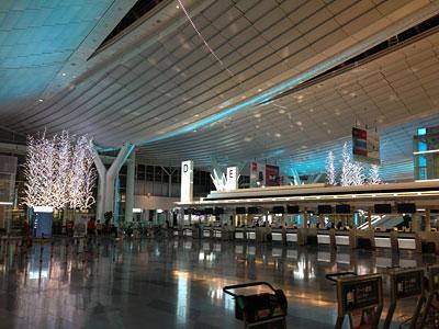 羽田空港国際線ターミナルのイルミネーション「羽田 Sky illumination」