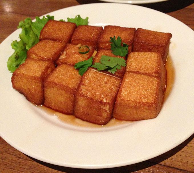 たまご豆腐を揚げた老皮嫩肉