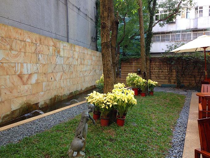 暑い台北の中心とは思えない涼しげな場所