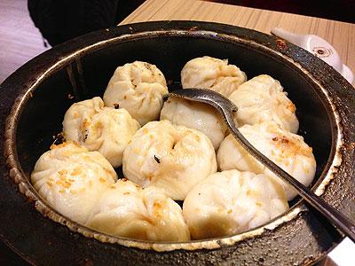 大仁哥も食べた高記・復興店の上海鐵鍋生煎包