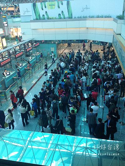 台北は初夏の陽気、そして久しぶりに桃園空港へ。