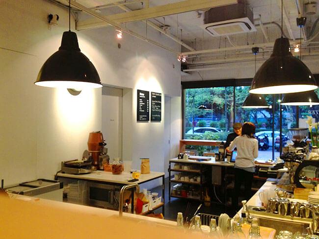 伊通公園前にある素敵なFika Fika Cafe (フィカフィカ カフェ)