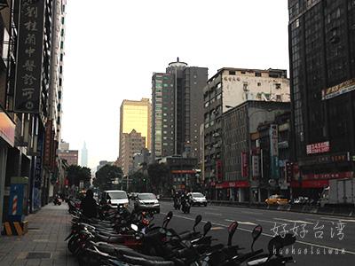 台北はもう初夏の雰囲気、そして羽田は大混雑。。