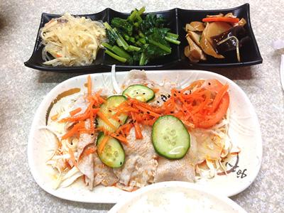 アッサリ豚肉の泰式酸辣豬肉飯