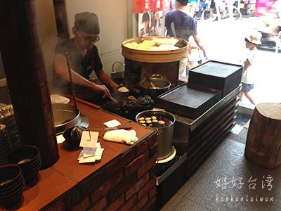 永康街の度小月擔子麺で休日ランチ