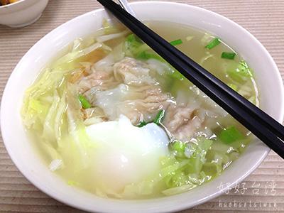 政江號の美味しい甜不辣と雞絲麵でほっこり。
