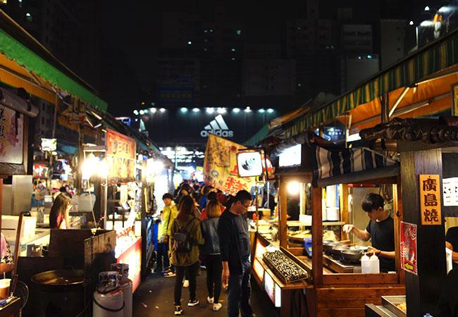 広島焼などの焼き物屋台