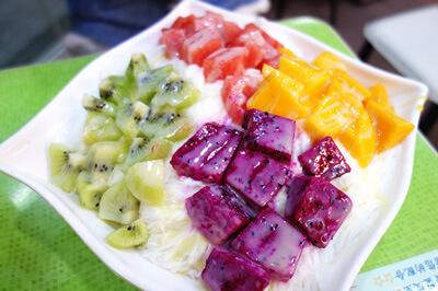 色鮮やかな総合水果雪花冰
