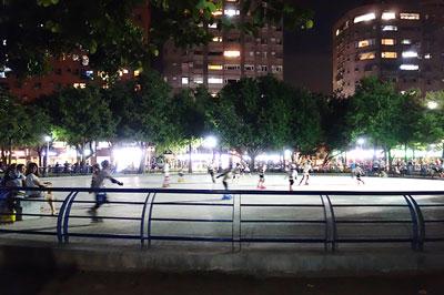 立派なローラースケートリンク