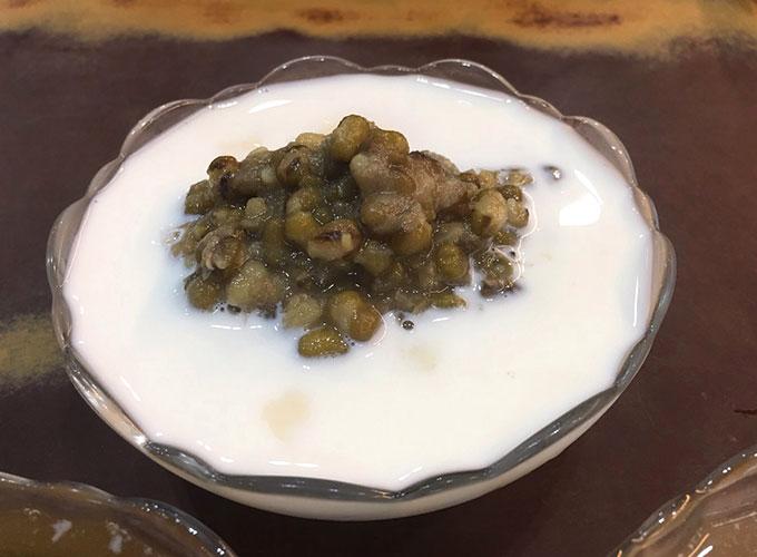 香濃鮮奶豆花と緑豆の組み合わせ