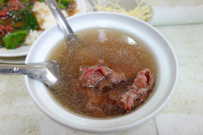 台南名物グルメの牛肉湯