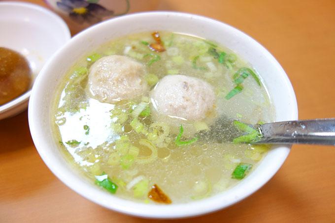 貢丸湯(肉団子スープ) 30元