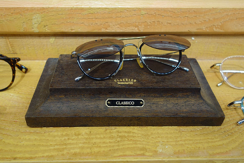 このようにサングラスにもできる