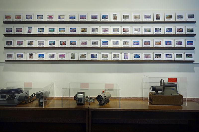 かなり古そうなカメラたち