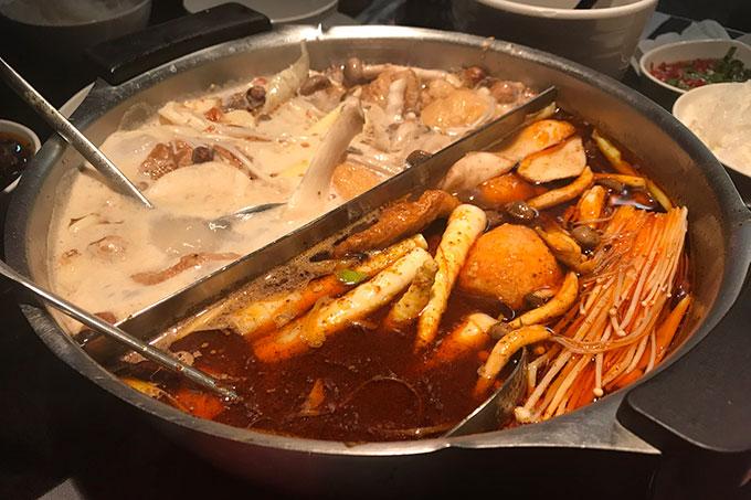 かなり辛い辛殿の麻辣鍋